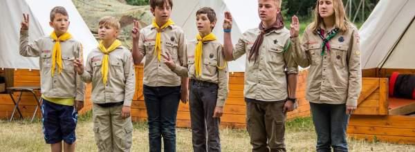 Čmeláci na táboře